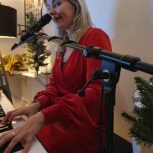 Paula Leek Live